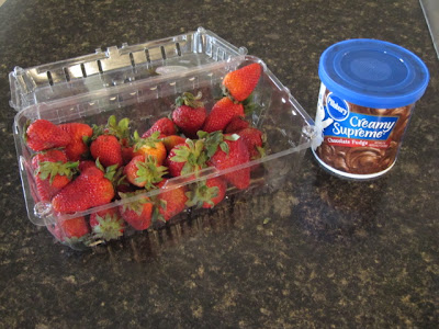 chocolate frosting strawberries