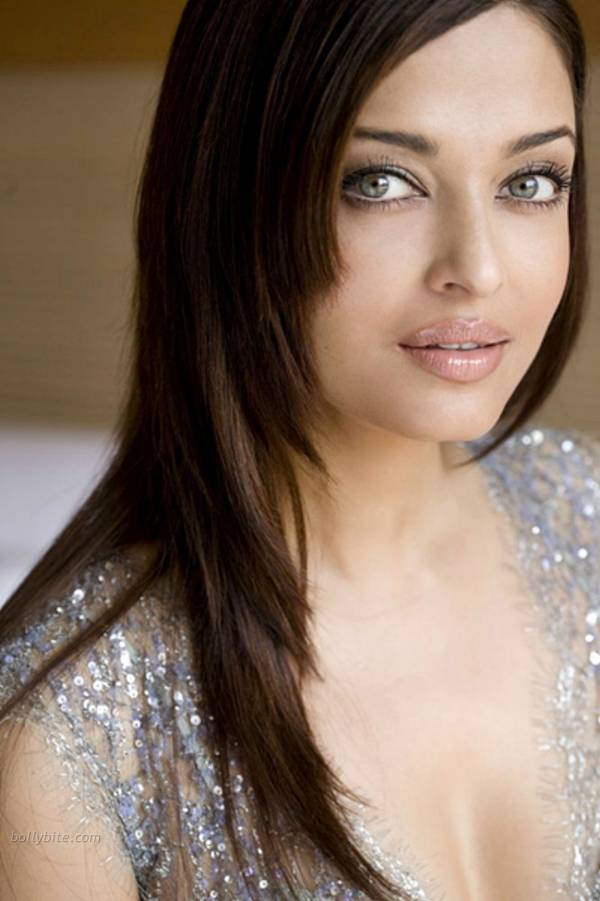 Aishwarya Rai  Stunning Hot  New York City Photoshoot  sexy stills