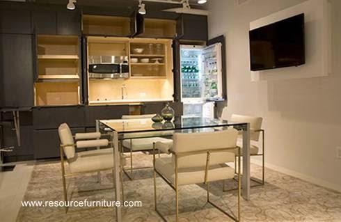 Mueble de pared con cocina integrada expuesto