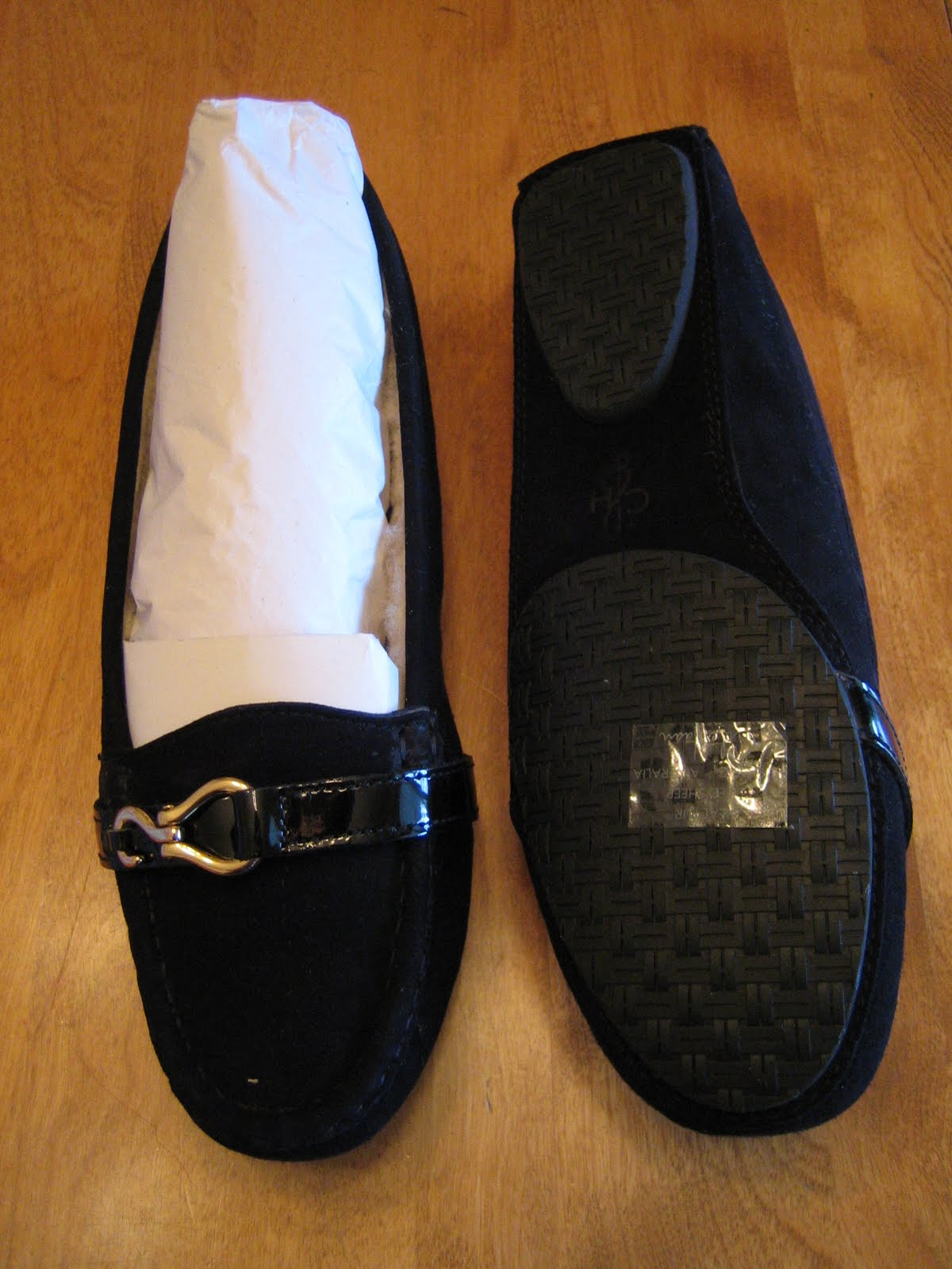 Who Sells Women S Size Shoes   And Larger