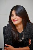 Shruti Haasan Glam pics-thumbnail-31
