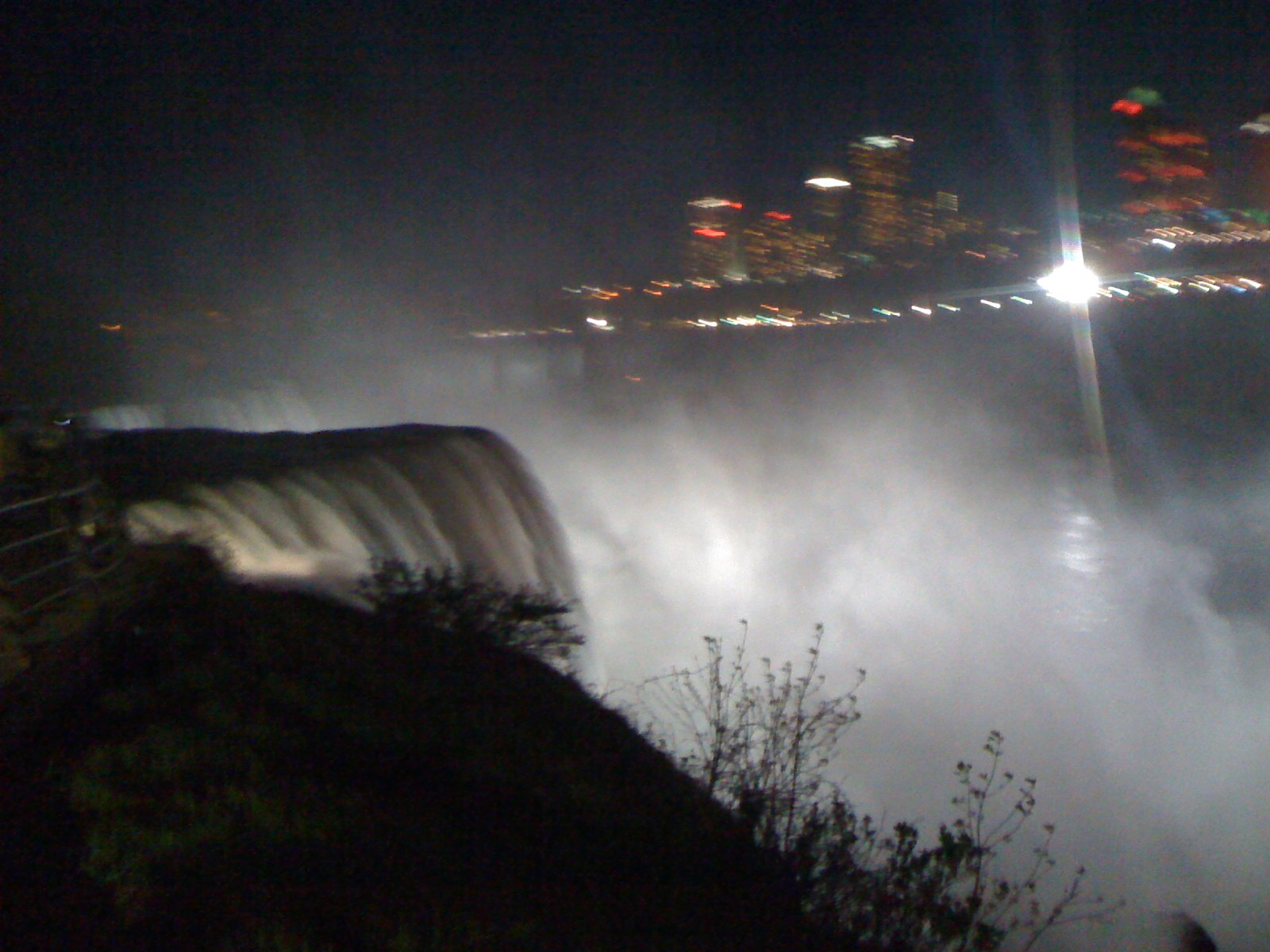 Niagara Falls Flood lit at night