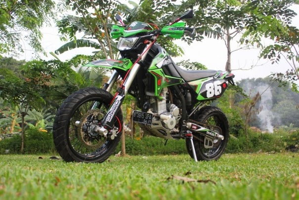 Modifikasi Kawasaki KLX 250 Model Supermoto Minimalis
