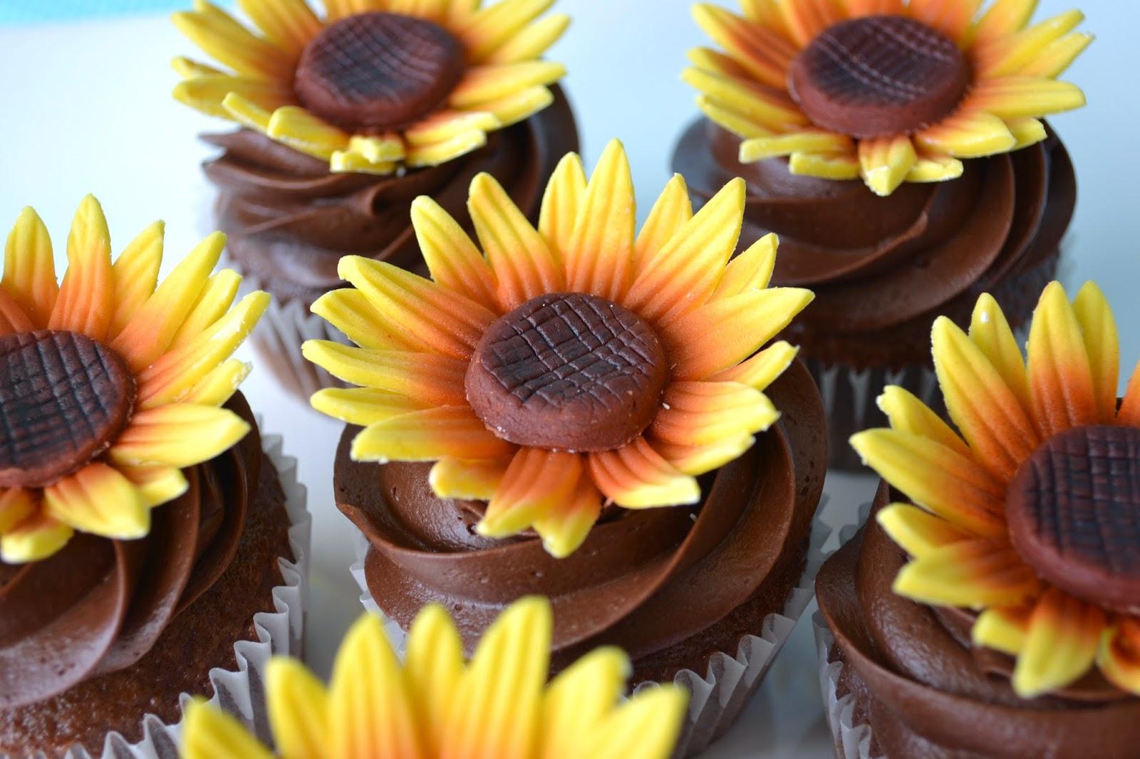 T cakes Sunflower Cupcakes