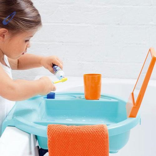 ecole et cabrioles une cole montessori la maison am nager sa maison dans l 39 esprit montessori. Black Bedroom Furniture Sets. Home Design Ideas