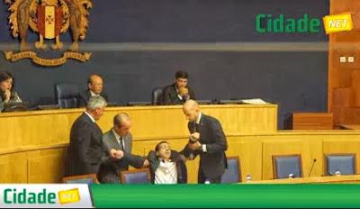 Deputado do PND retirado à força da Assembleia Legislativa da Madeira