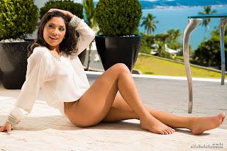 micheli burate 27 Michele Burate deliciosamente pelada
