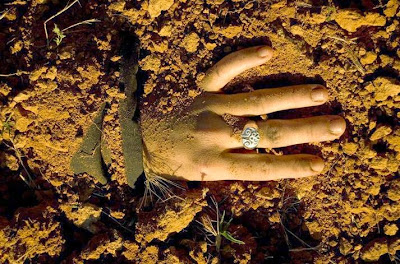 Cerita Mengerikan Orang yang Dikubur Hidup-hidup