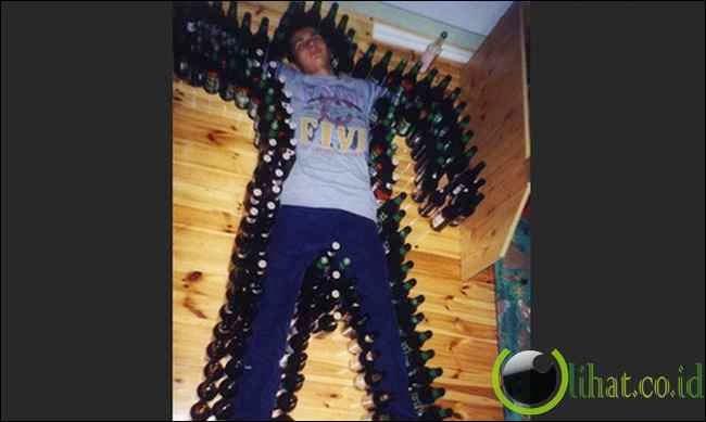 Tidur berteman botol