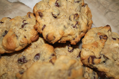 RECIPE: Thick & Chewy Oatmeal Chocolate Chip Cookies