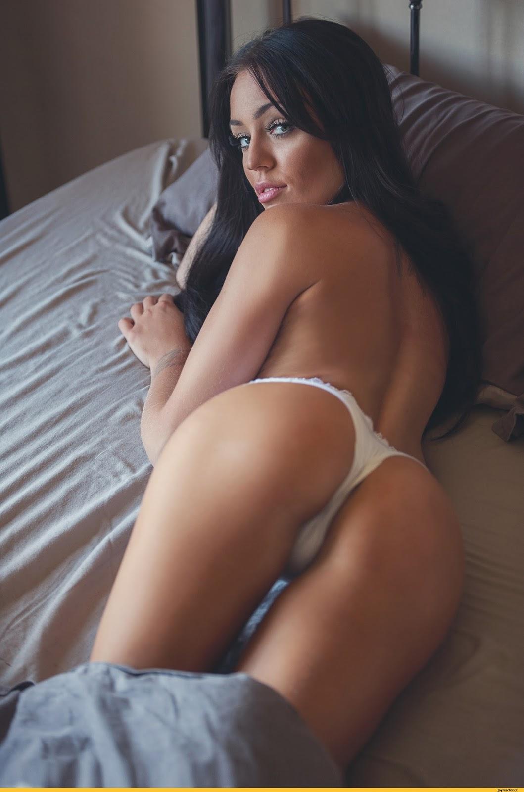 Шоу стриптиз на грани порно 10 фотография