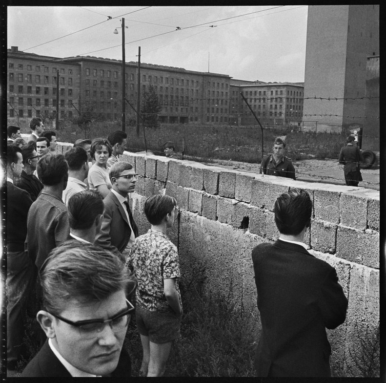 social effects of the berlin wall essay Post- berlin wall effects a economic examples b political examples conclusion in the last fifty years the german democratic republic has been a nonstop ten years after the wall collapsed, it's difficult to find any physical traces of the concrete and barbed wire barrier that once divided berlin in half.