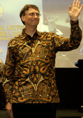 Bill Gates wearing BATIK (Indonesian Chlotes)