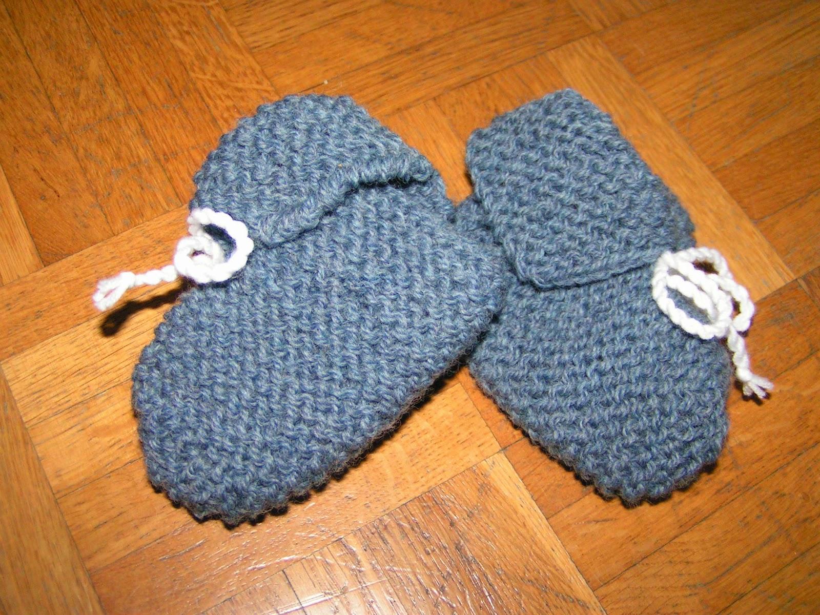 Stricken Babyschühchen blau