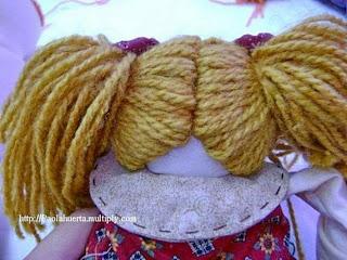 "<img src=""http://maslik-kukla.blogspot.com/2012/09/master-klass-volosy-tekstilnoy-kukle.html#more"" alt=""мастер класс как пришить волосы к голове текстильной куклы″ />"