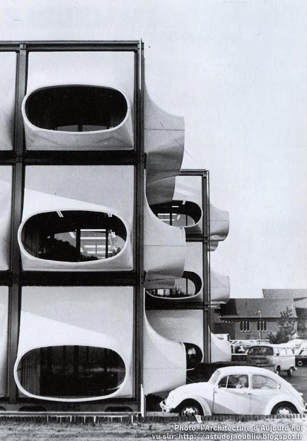 Bureaux AZM (Algemeen Ziekenfonds voor de Mijnstreek) - Heerlen - Hollande.  Architecte: Laurens Bisscheroux  Construction: 1972