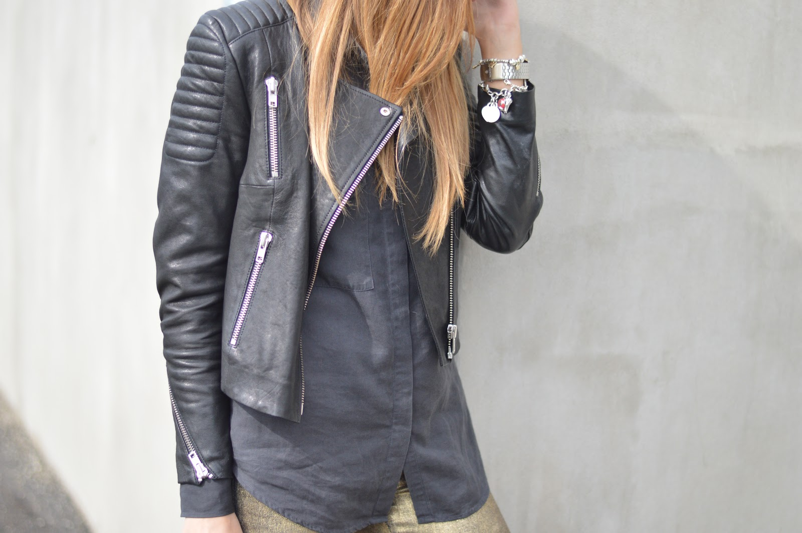 Leather Jacket, Black Outfit, Rock Outfit, Fashion Blogger Rock, Leather, The New Icons Collection, H&M leather, Gold Pants