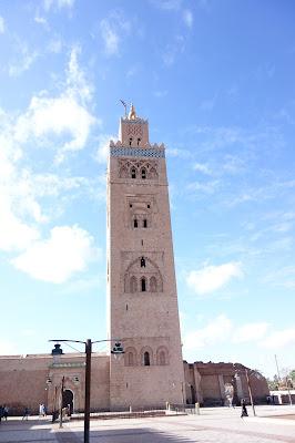 Mamaurlaub ohne Kind allein reisen Marrakesch Frau allein verreisen schwanger verreisen Runzelfuesschen