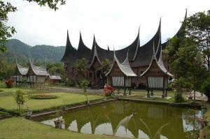 rumah adat sumatera barat sumbar rumah tradisonal sumbar Rumah gadang Gambar Rumah Adat Indonesia