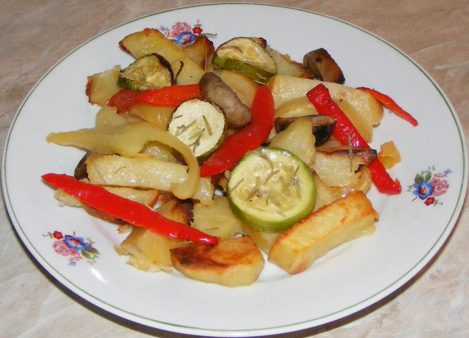 retete de post, retete de mancare, cartofi cu legume la cuptor, preparate culinare, retete culinare, cartofi cu legume la cuptor de post, retete cu cartofi, retete cu legume, friptura de cartofi cu legume la cuptor,