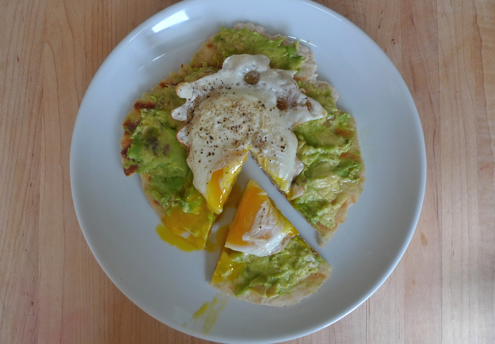 siriously delicious: Avocado and Egg Pizza