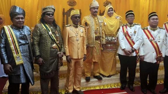 Sultan Melaka Anugerahkan Datuk Paduka Mahkota Melaka Kepada Rani Kulup