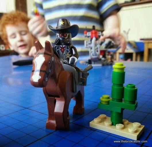 Sheriff Not-A-Robot on horse minifigure LEGO Getaway Glider