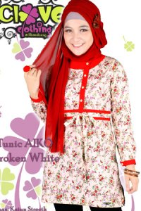 Clover Clothing Blus Aiko - Broken White (Toko Jilbab dan Busana Muslimah Terbaru)