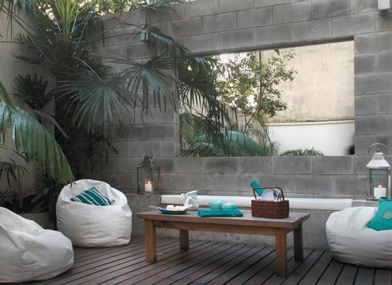 Estudio felip n patios interiores for Decoracion para patios interiores