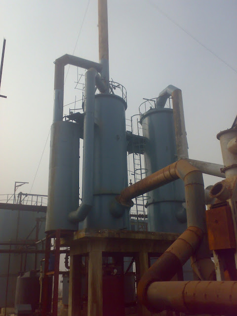 Sulfuric Acid Plant in Pakistan 100 Metric ton daily production by contact process single absorption, image by irfan ahmad plant operator, Air/Oxegen Drying tower, Absorption tower with scrubber tower