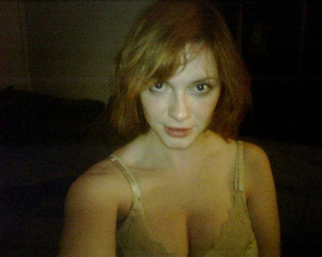 http://2.bp.blogspot.com/-ymF_9YfqrX4/UCYmBHiy70I/AAAAAAAACgA/mJGNw_SnvW0/s1600/Christina-Hendricks-Scandal-Photo-2-1024x819.jpg