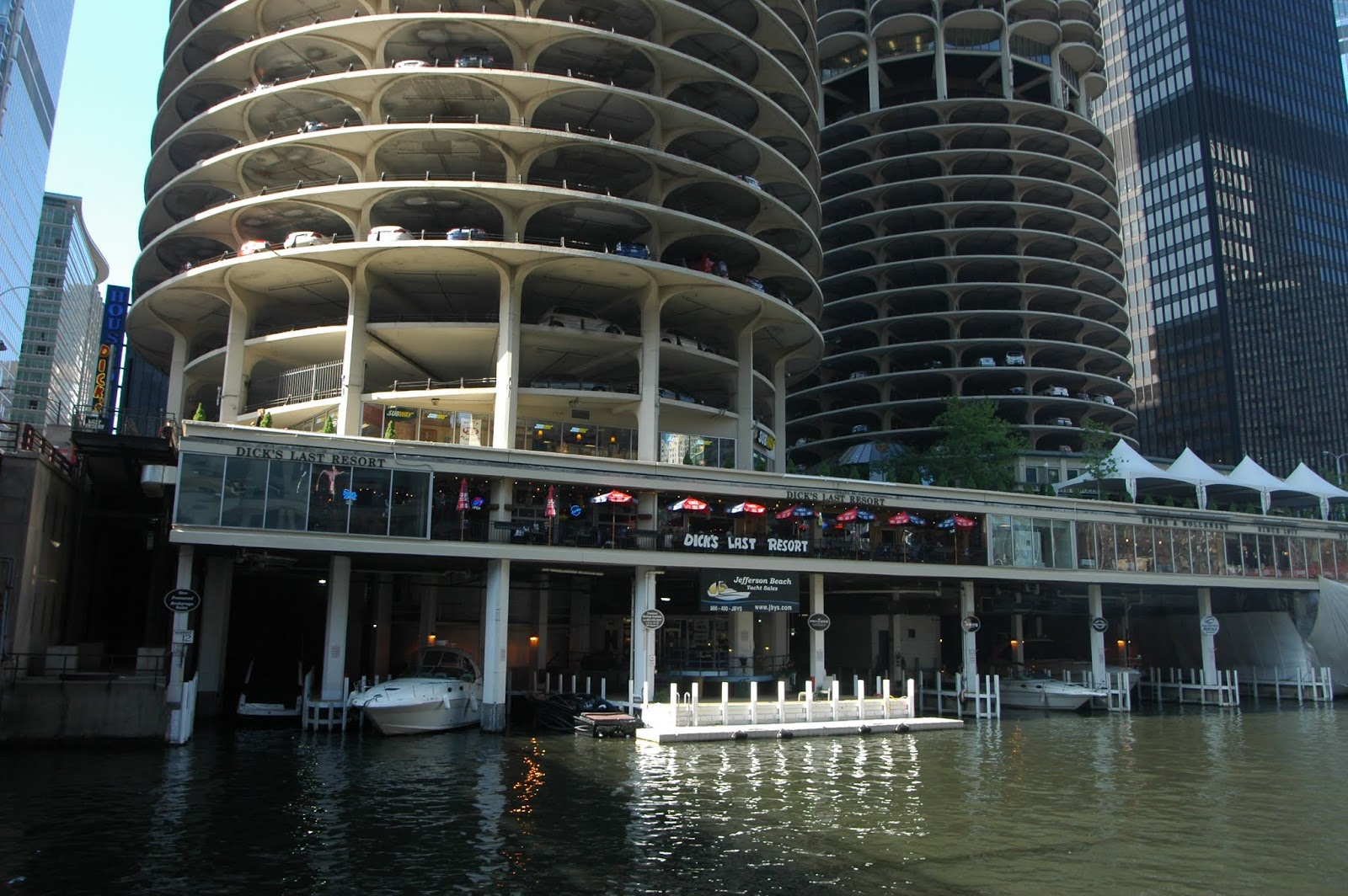chicago boat tour urban architecture now