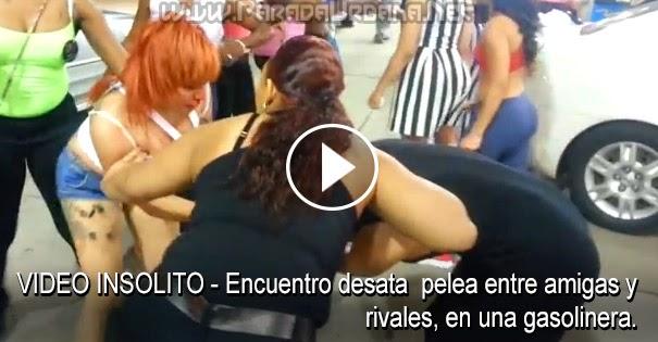 VIDEO INSOLITO - Encuentro desata una pelea entre rivales y amigas, en un gasolinera