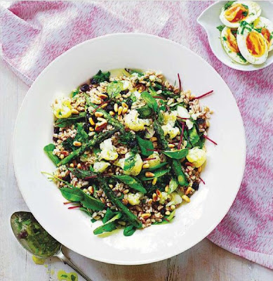 Farro, cauliflower and asparagus salad