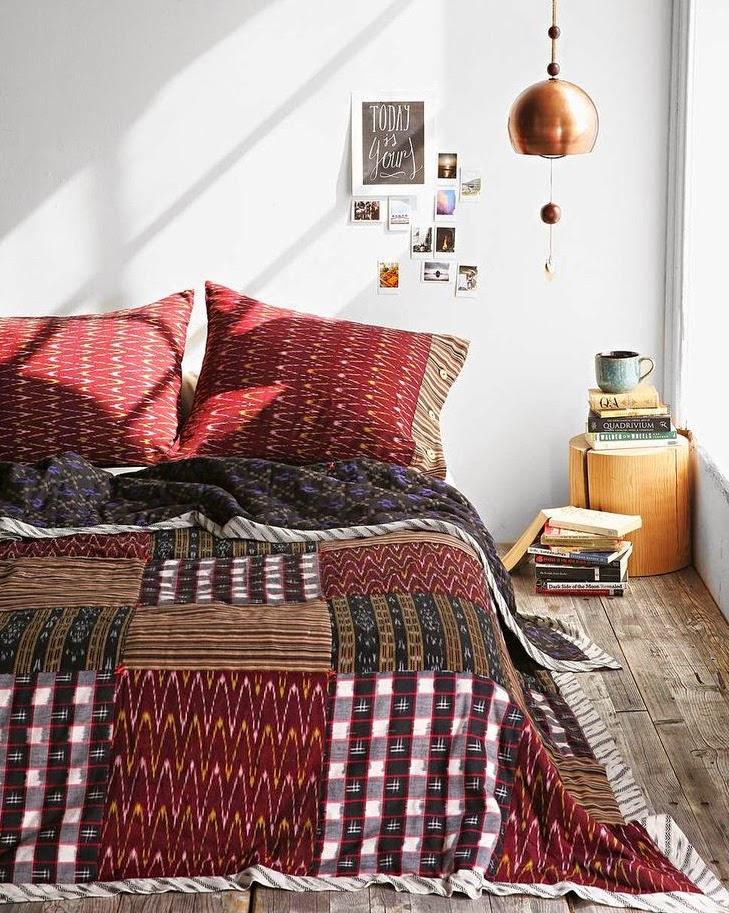 roupa de cama com o tom Marsala