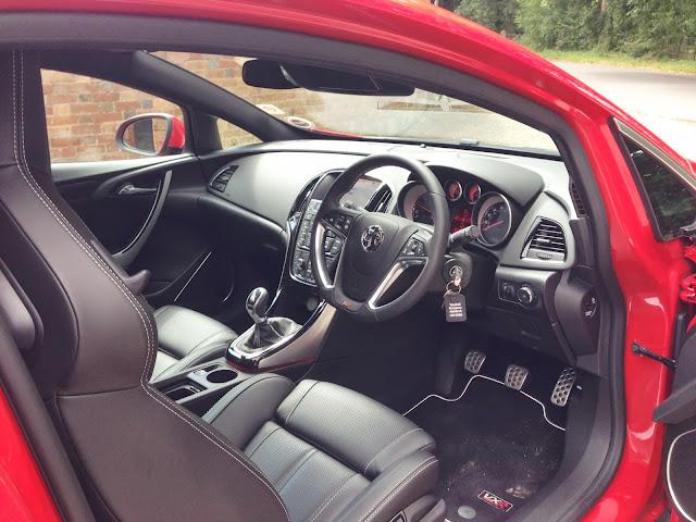 Vauxhall Astra VXR interior