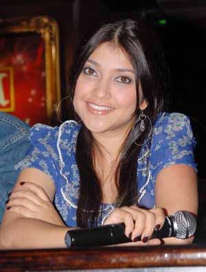 Sarah Azhari on Sarah Azhari   Hyves