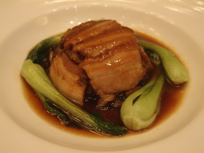 芽菜彩菇扣肉