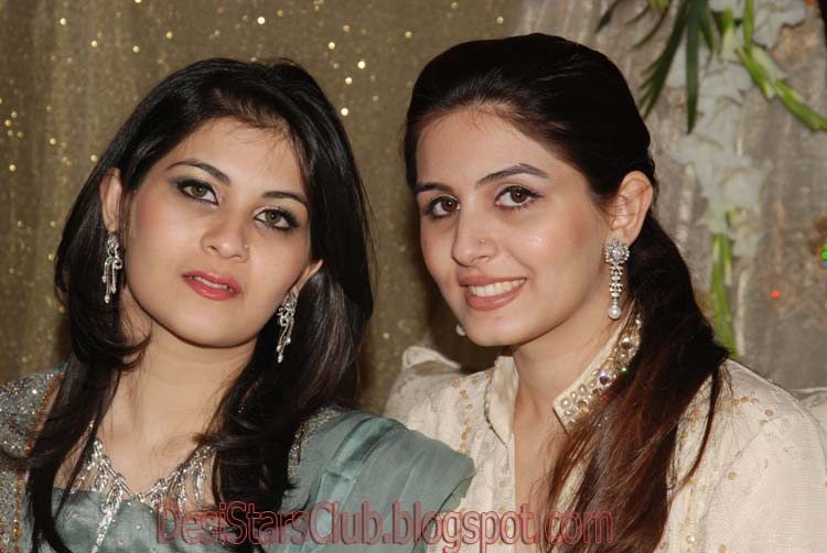 Beautiful Desi Aunties