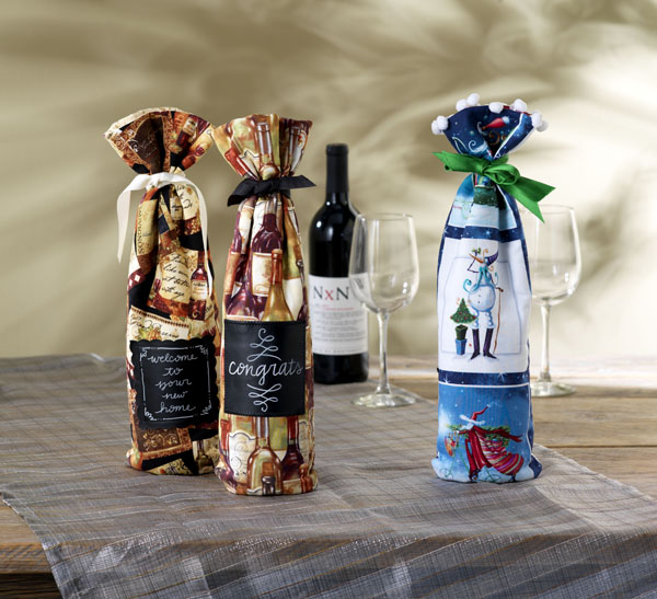 Fabric Holiday Wine Gift Bag @craftsavvy #craftwarehouse #sewing #gift #bag #diy