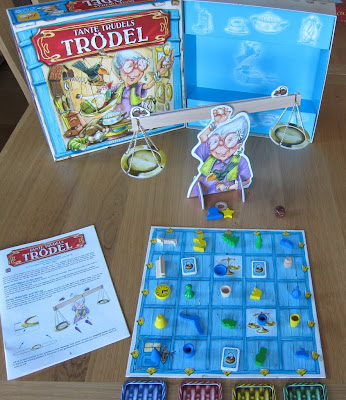Tante Trudels Trodel - The box and game components