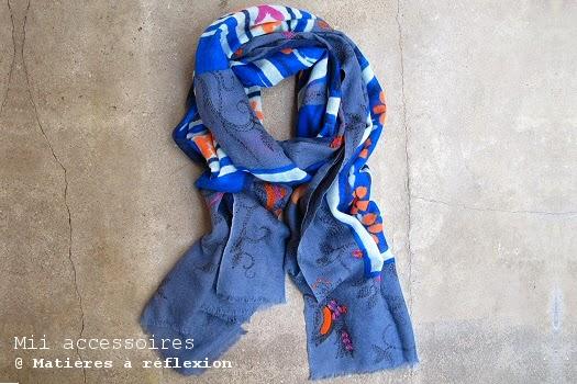 Foulard folk brodé bleu Mii accessoires