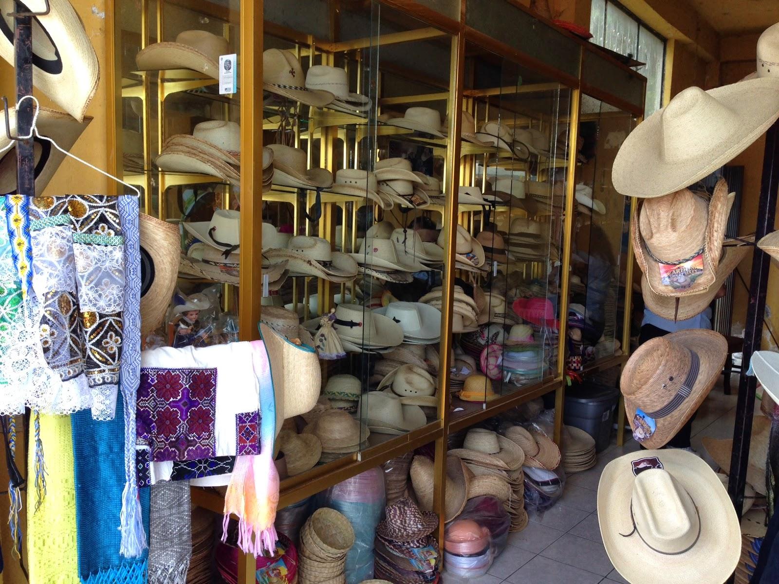 Tienda de Sombreros Artesanales en Jarácuaro (Cardom)
