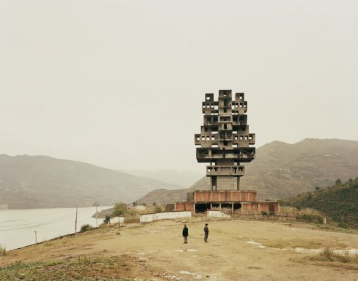 Nadav Kander. Fengjie III (Monument to Progress and Prosperity), Chongqing Municipality, 2007. ©Nad