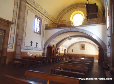 Interior del Templo del Sagrario en Pátzcuaro