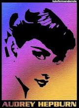 la exquisita  Audrey Hepburn cantando