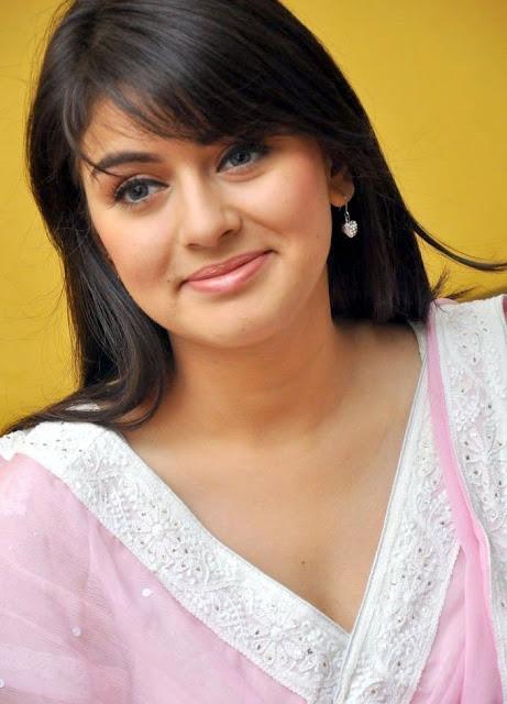 Aishwarya Rai Hot: Hansika Motwani in Pink Suit