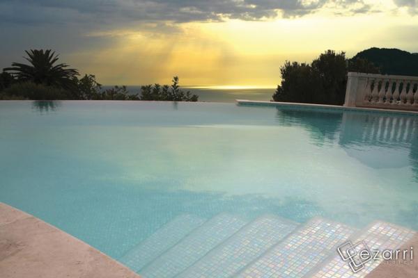 Mozaic piscine mozaic amenajari interioare mozaic botosani for Amenajari piscine