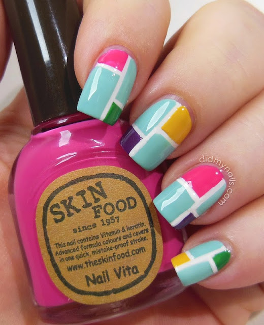tape manicure colour blocking