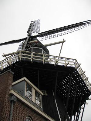 haarlem windmill adriaan